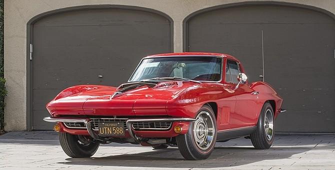 1967-Riverside-Grand-Prix-Display-Corvette-Mecum-Austin-670x340