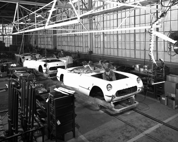 production-of-the-1953-chevrolet-corvette-the-very-first-corvette