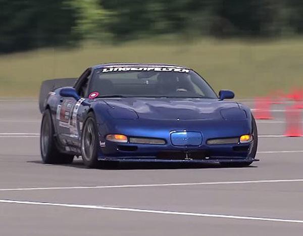 National-Corvette-Museum-Motorsports-Park-Corvette-720x340