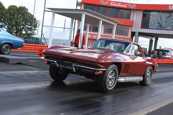 12-1966 Corvette